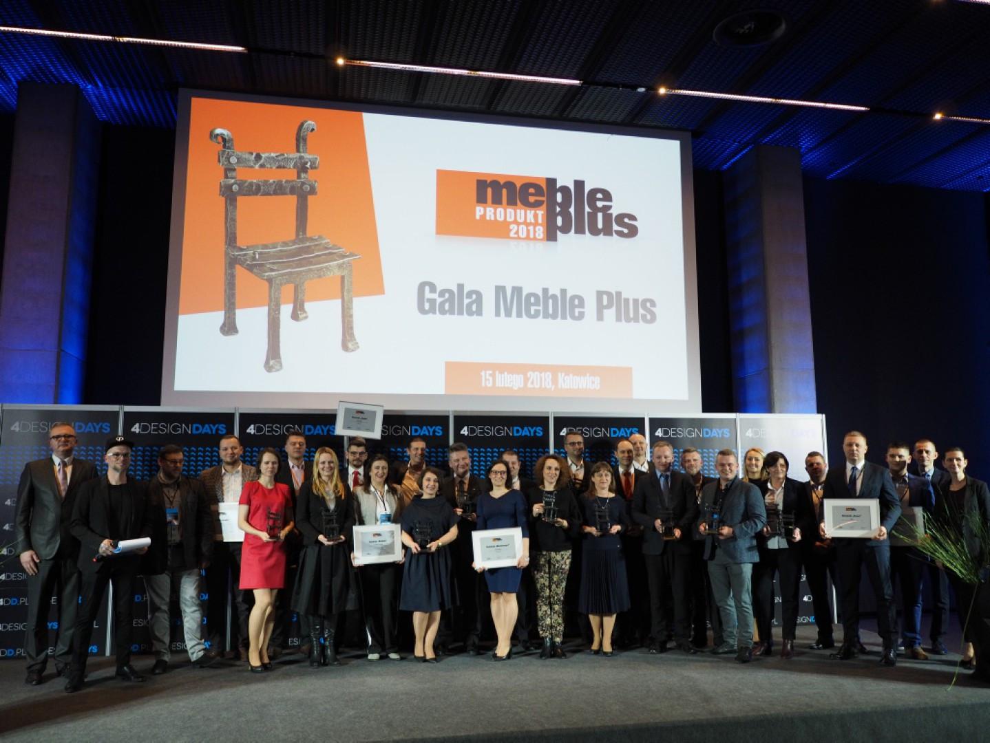 Laureaci konkursu Meble Plus - Produkt 2018 podczas uroczystej gali na 4 Design Days. Fot. PTWP