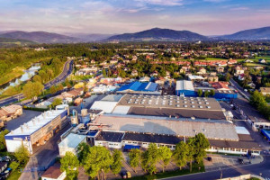 Grupa Thyssenkrupp rozważa sprzedaż kluczowego oddziału budowy fabryk