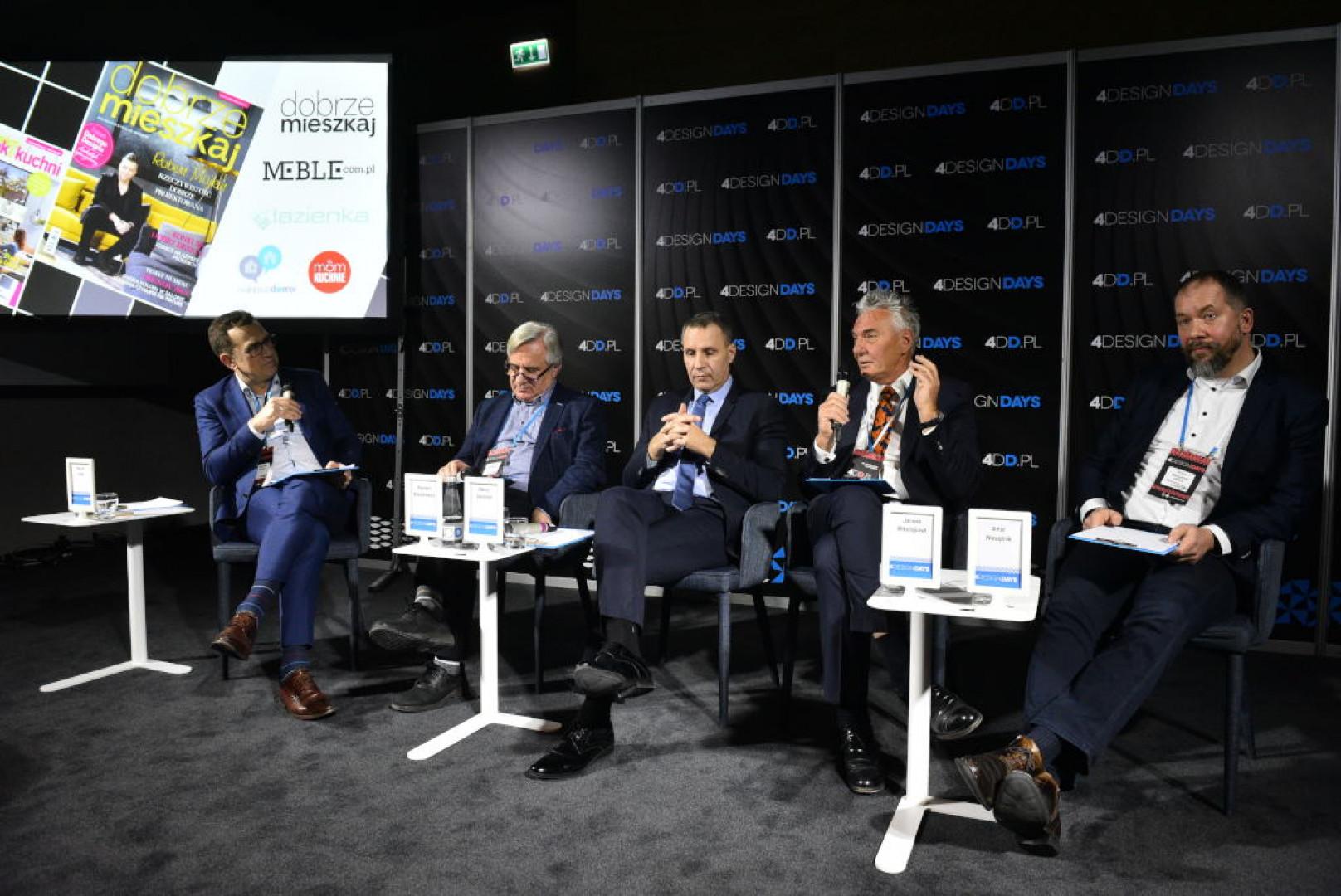 Uczestnicy panelu dyskusyjnego Polska marka meblowa – szansa czy mit, który odbył się 25 stycznia br. w Katowicach podczas 4 Design Days. Fot. PTWP