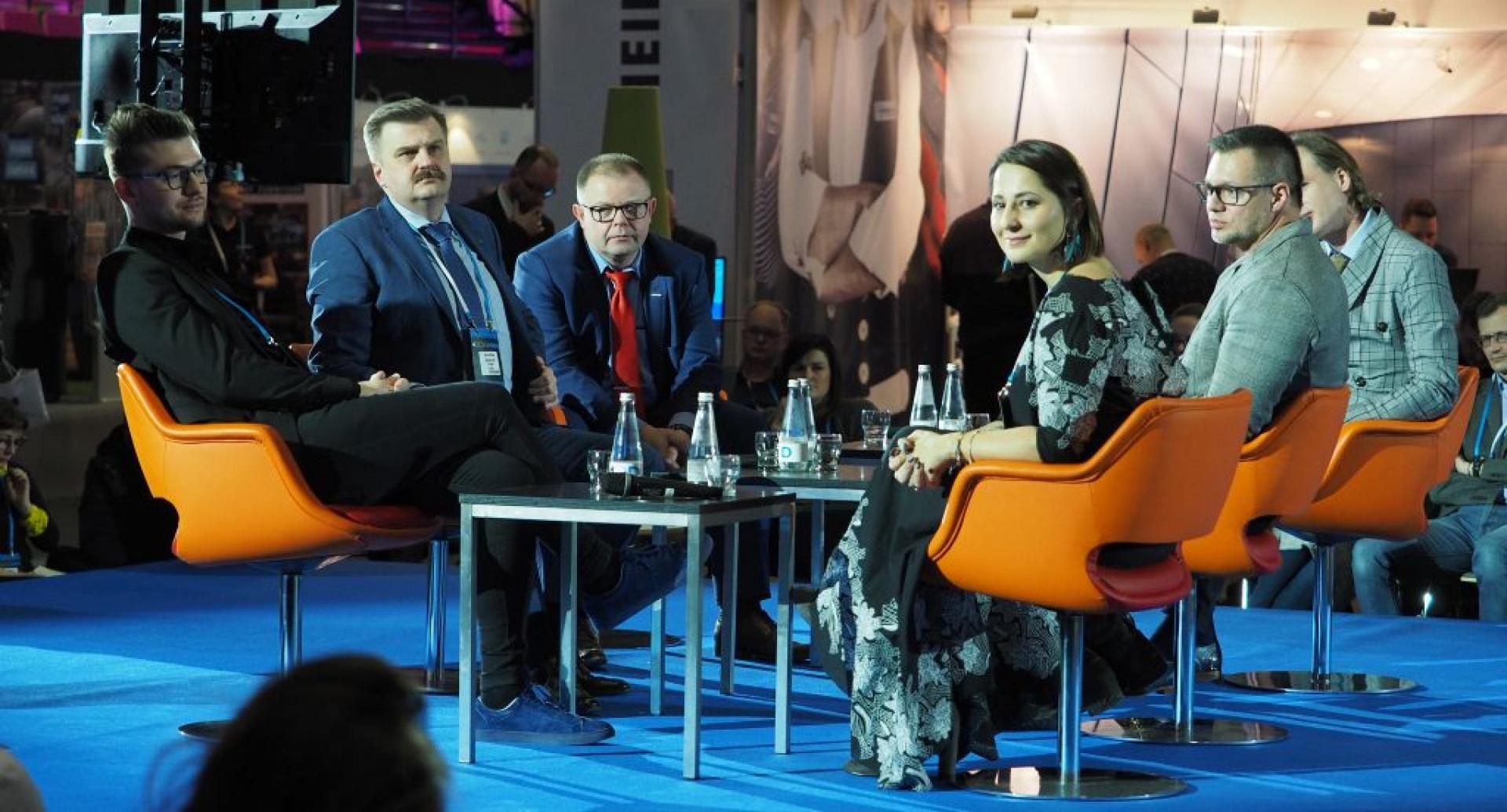 """Panel dyskusyjny """"Wnętrza z wyższej półki. Fot. PTWP"""