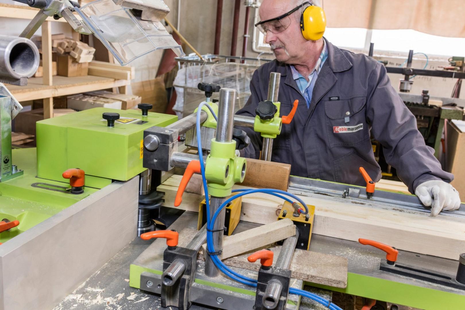 Staranność  jest niezwykle istotna podczas całego procesu produkcji – od wyboru surowców, przez projektowanie, po transport do klientów. Fot. Comforteo