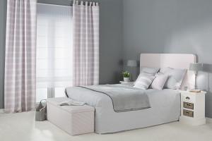 Jasna, romantyczna sypialnia - jak stworzyć taki klimat?