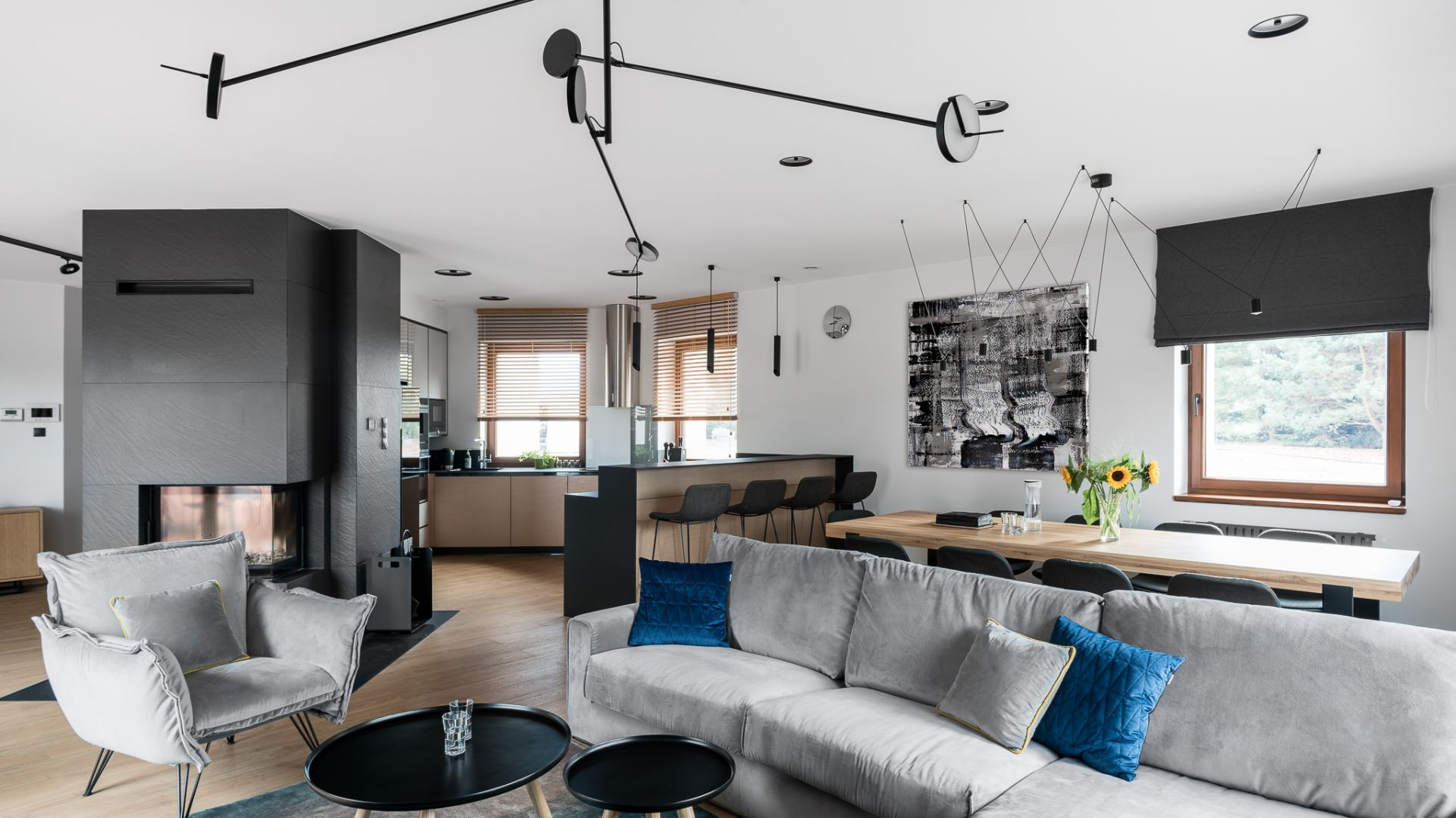 Wyróżnienie - dom dla trzyosobowej rodziny, zlokalizowany koło Iławy. Autorzy projektu: Estera i Robert Sosnowscy (Studio Projekt)