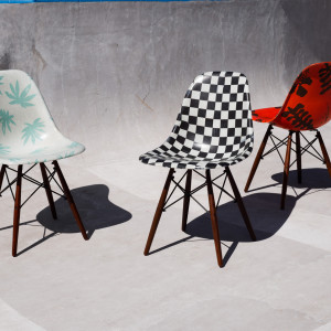 Krzesła z kolekcji Vault by Vans x Modernica - owoc współpracy marek Vault i Modernica. Fot. Vault/ Modernica