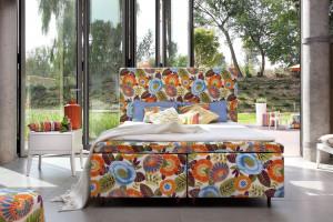 Jak zaaranżować małą sypialnię w stylu boho?
