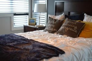 Jak urządzić małą sypialnię w bloku - kilka praktycznych rad