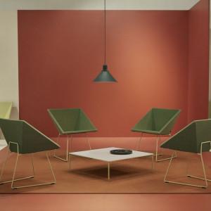 Fotele z serii RM 57 oferowane przez firmę Vzór. Projekt: Roman Modzelewski. Fot. Vzór