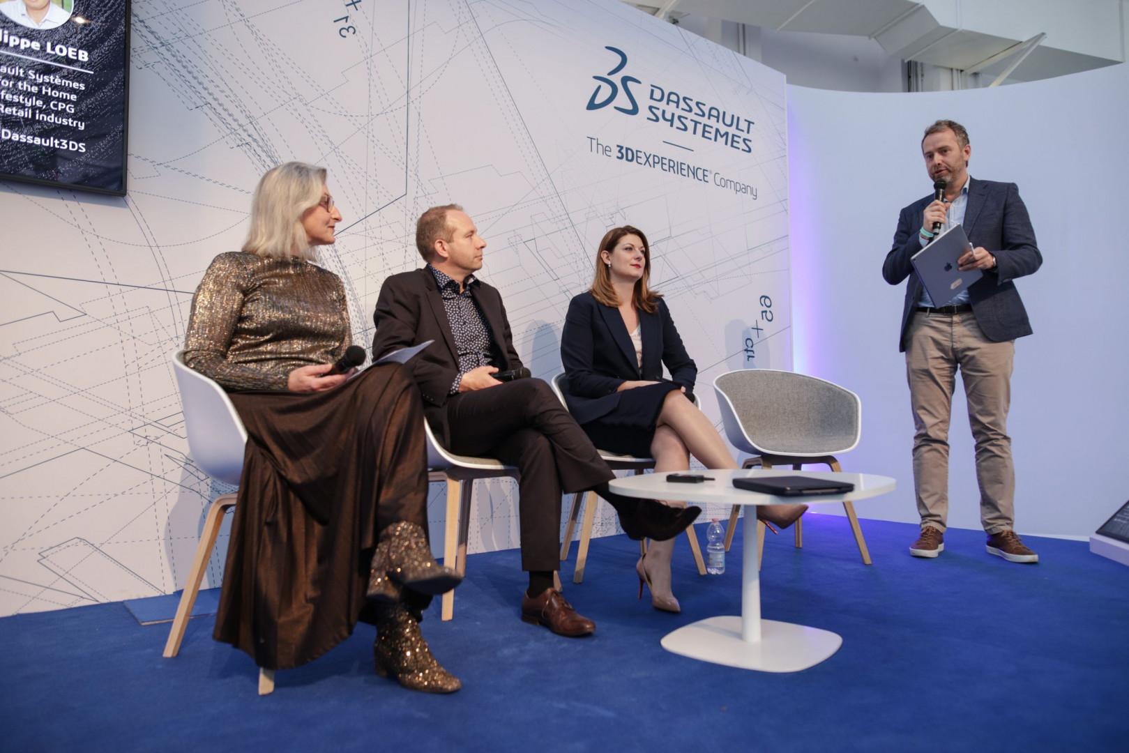 Karolina Manikowska (druga od prawej), dyrektor Działu Badań i Konsultingu Przestrzeni Pracy i Zastępca Dyrektora Działu Zarządzania Produktem w Grupie Nowy Styl, wzięła udział w dyskusji towarzyszącej konferencji Design in the Age of Experience. Fot. Grupa Nowy Styl