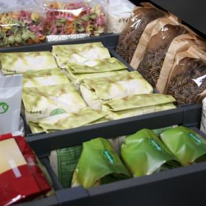 Odpowiednio zorganizowana szuflada może pełnić rolę kuchennej spiżarni. Fot. Rejs