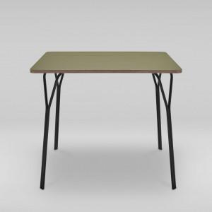 Stół kwadratowy SHARK. Projekt Tomasz Augustyniak dla Marbet Style