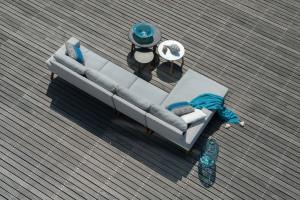 Wygodne sofy na taras i do ogrodu - stwórz salon na świeżym powietrzu