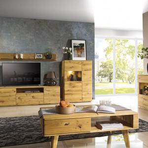 Lite drewno i inne naturalne materiały to jeden z nieprzemijających trendów. Fot. Dekort