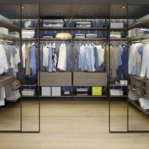 Garderoby otwarte dają możliwość dowolnego konfigurowania wnętrza. Fot. Raumplus