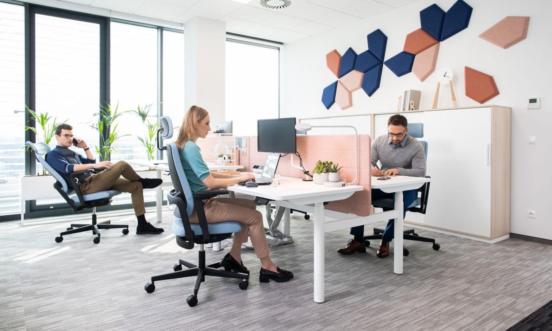 Krzesło Xilium z oferty Grupy Nowy Styl. Projekt: Martin Ballendat. Fot. Grupa Nowy Styl