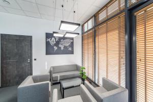 Nowoczesne i funkcjonalne biuro – jak je urządzić?