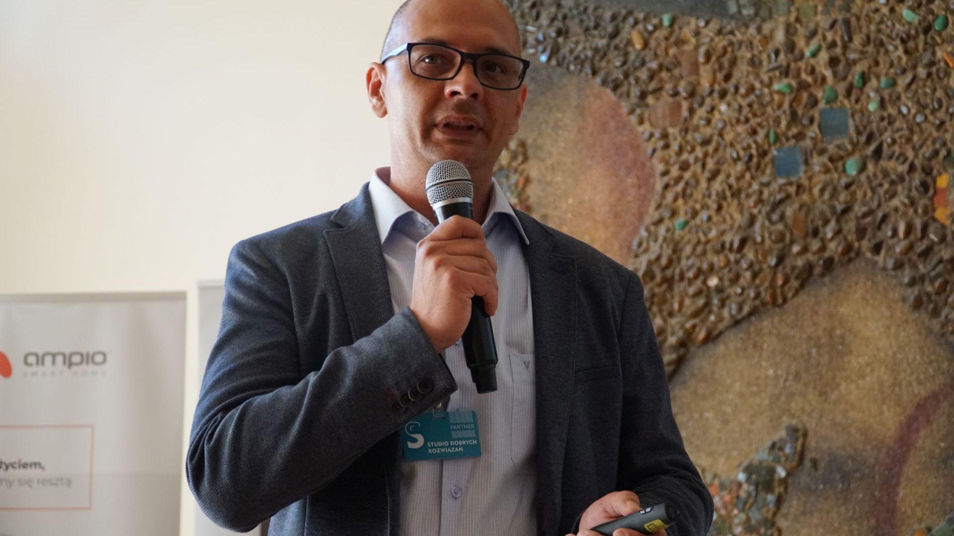 Rafał Kleinschmidt, doradca biura obsługi projektów Kontakt Simon