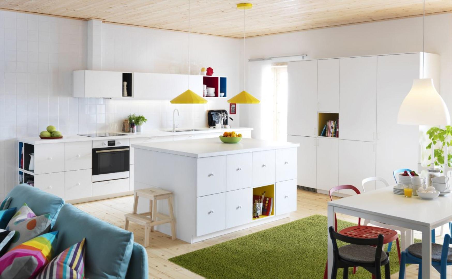 Gotowe meble kuchenne to dobra opcja dla wszystkich, którzy szybko potrzebują urządzić kuchnię. Fot. IKEA