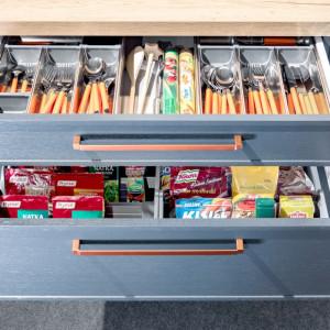 Dzięki odpowiednio dobranej wysokości poszczególnych szuflad będziemy dysponowali wystarczającą powierzchnią do przechowywania. Fot. Kam
