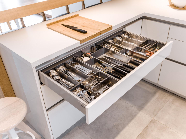 Kuchnia KAMmoduł Pro-Line - szuflada na sztućce. Fot. KAM Kuchnie