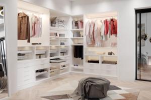 Jak zagospodarować wnętrze garderoby - sprawdzone profesjonalne rozwiązania