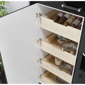 Dzięki zróżnicowanym szerokościom i rodzajom szafek umieścisz w nich rzeczy rozmaitej wielkości. Fot. Agata