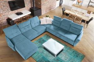 Kolorowa sofa w salonie - zobacz 25 propozycji!