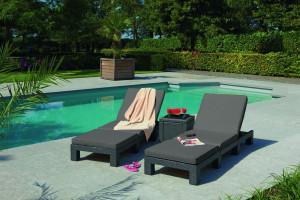 Leżaki ogrodowe - sposób na wypoczynek pod chmurką