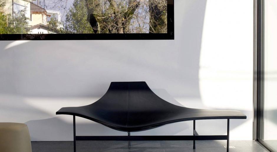 15 designerskich szezlongów - wybierz wyjątkowy mebel do swojego salonu