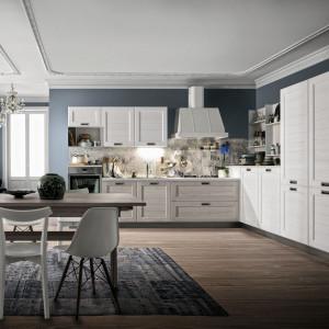 W dużej kuchni zmieści się m. in. stół z krzesłami. Fot. Stosa