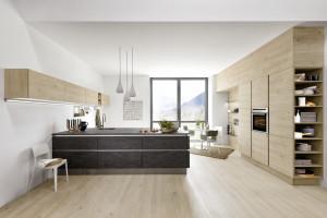 Urządzamy dużą kuchnię - jak wykorzystać jej przestrzeń i możliwości?