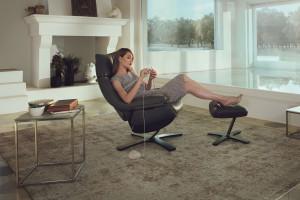 Fotel z podnóżkiem - wyjątkowo komfortowy mebel w salonie