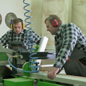 Warsztat marki Swallow's Tail Furniture, gdzie powstaje krzesło projektu Tomka Rygalika. Fot. AHEC