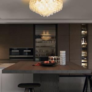 Kuchnia Poliform z wysokimi szafkami.. Fot. Studio Forma 96