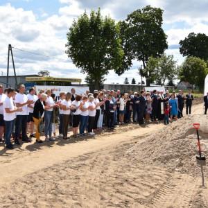 Uroczysta inauguracja budowy fabryki Classic Sofa w Lidzbarku Welskim, należącej do Grupy Meblowej Szynaka. Fot. Szynaka Meble