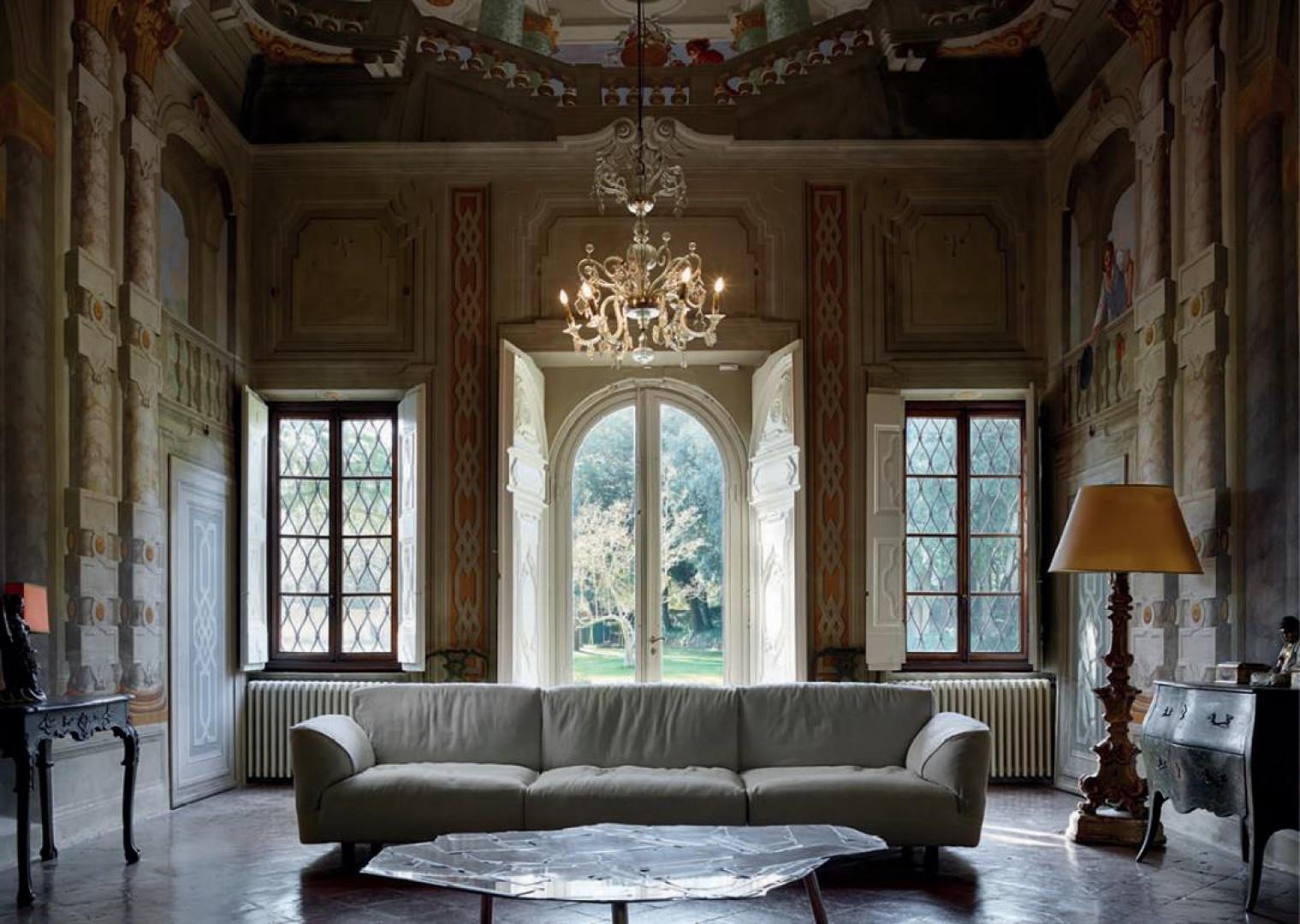 Sofa Grande Soffice marki Edra. Projekt: Francesco Binfarè. Fot. Edra
