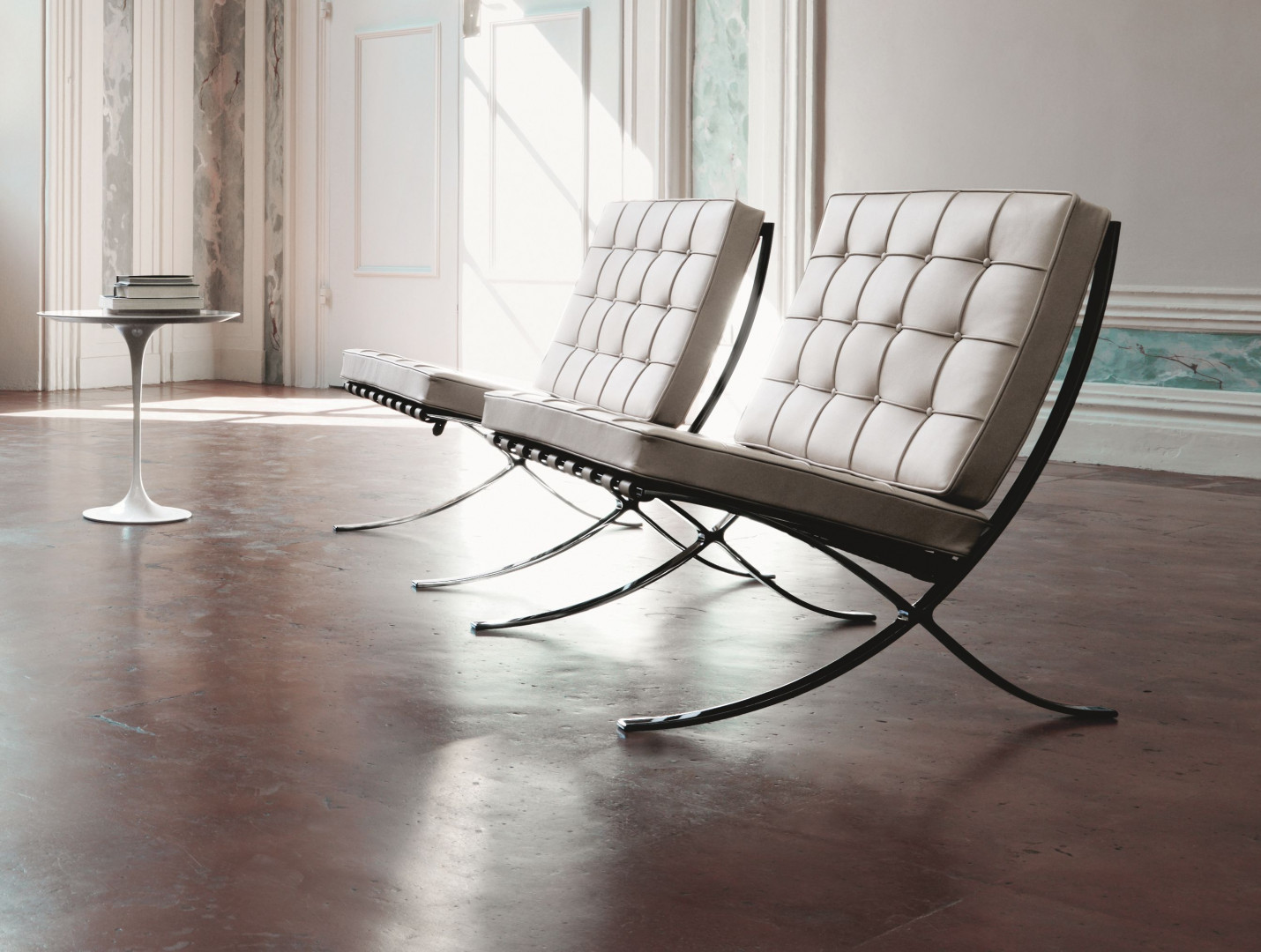 Barcelona Chair - mebel zaprojektowany przez Miesa van der Rohe. Fot. Walter Knoll