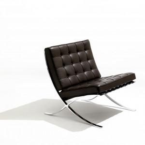 Barcelona Chair. Fot. Knoll/Aqina