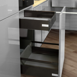 Podwójna szuflada - ciekawe rozwiązanie do zabudowy kuchennej. Fot. Stolzen