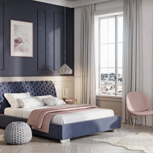 Barwy mogą wpływać na nasze samopoczucie. Dlatego jeśli zależy nam na relaksie, do sypialni wybierajmy stonowane, spokojne odcienie. Fot. Materiały prasowe CH Fasty