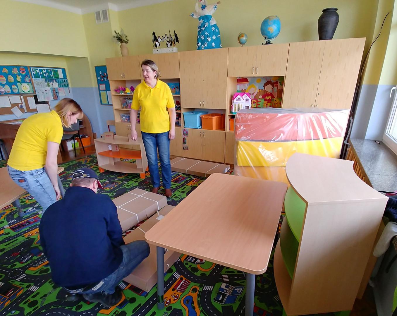 Modernizacja świetlicy szkolnej w Białymstoku, w ramach wolontariatu pracowniczego. Fot. Forte
