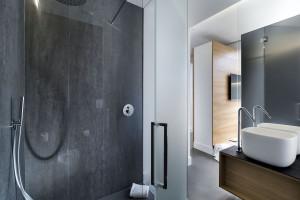 Minimalistyczne meble i spieki kwarcowe – zobacz wnętrza włoskiego hotelu!