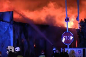 Pożar w fabryce  mebli Profim w Turku. Straty będą ogromne