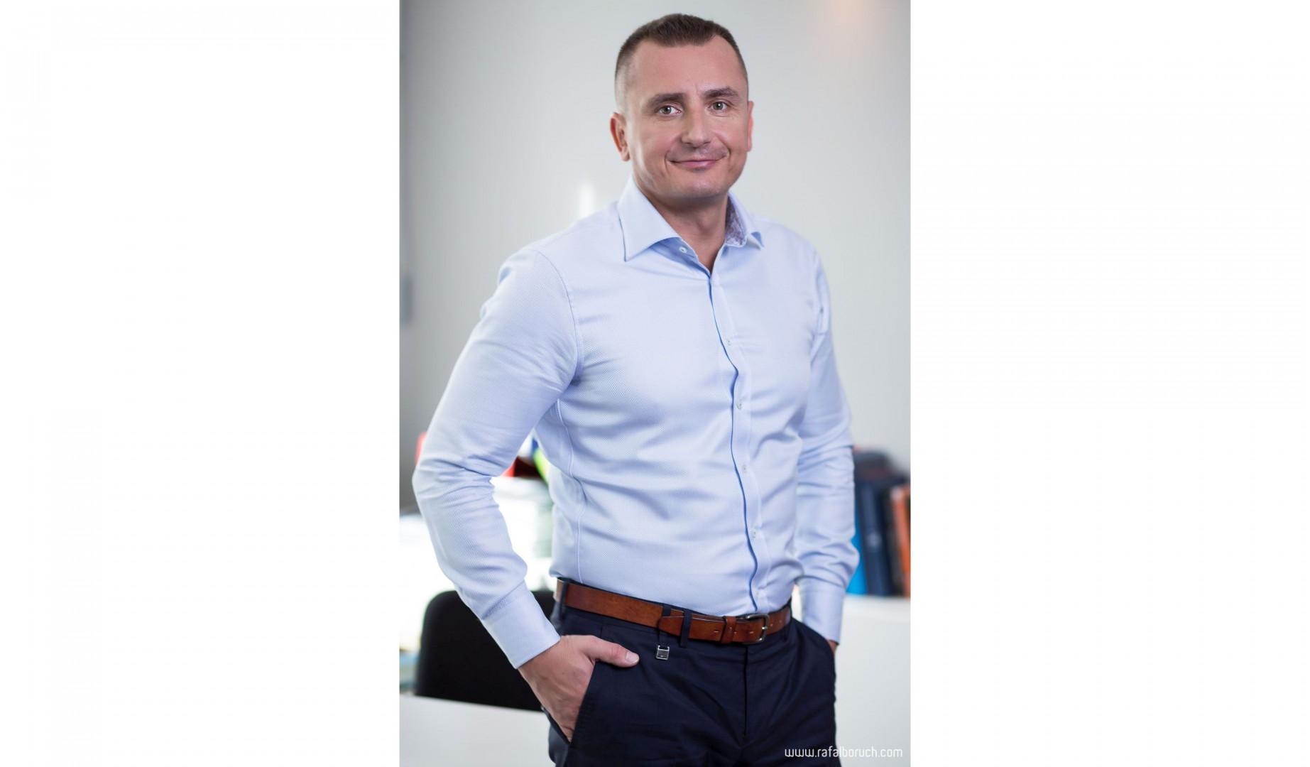 Rozmawiamy z Juliuszem Pakuńskim, kierownikiem rozwoju biznesu w firmie Dachser DIY-Logistics w Polsce.