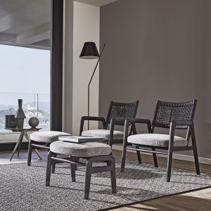 Fotele Ortiga (Design Center). Nowość 2020. Fot. Flexform