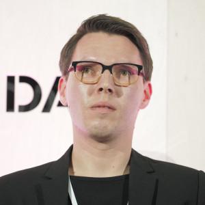 Józek Madej, partner zarządzający i projektant w musk kolektyw, współtworzy markę
