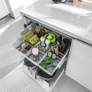 Ergonomiczne wyposażenie szafek i szuflad. Fot. Peka