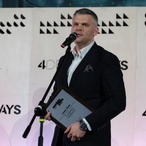 Nagrodę w imieniu firmy Center Mebel odebrał jej prezes, Grzegorz Kurak