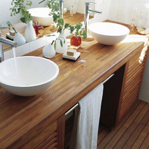 Skuteczny i wydajny Olej do łazienek V33 otwiera drzwi drewnianym aranżacjom