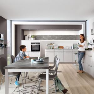 Modna kuchnia: projektanci mebli stawiają na projektowania. Fot. Verle Kuchen