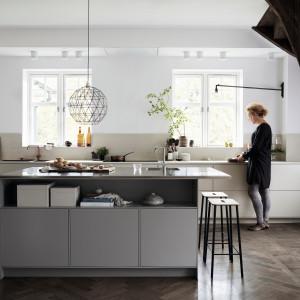 Modna kuchnia: projektanci mebli stawiają na projektowania. Fot. Ballingslov